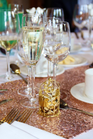 wedding-table-3832000_1920.jpg